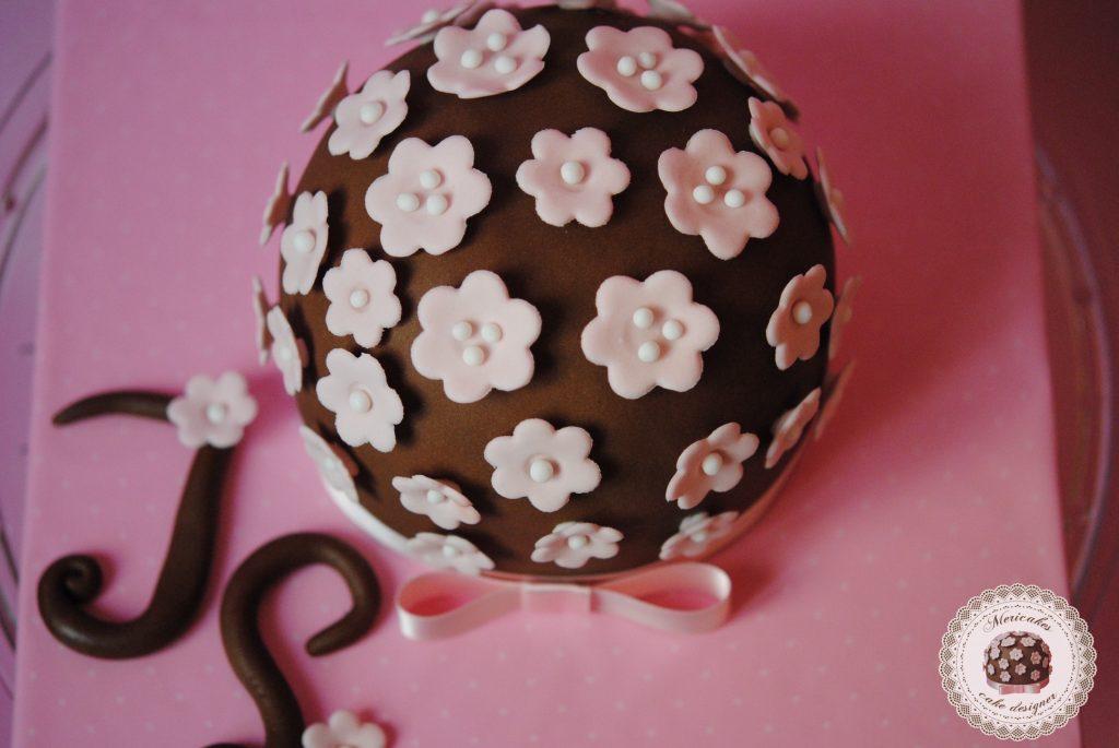 tarta-primavera-logo-mericakes-mericakes-tarta-sugarcraft-cake-sugarflowers-barcelona-cake-decorating-tartas-decoradas-nata-con-fresas0