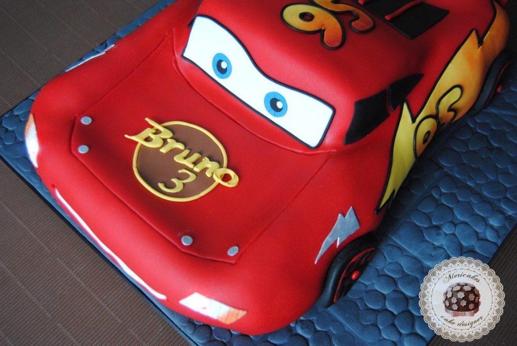 tarta-rayo-mcqueen-cake-fondant-luces-efectos-especiales-chocolate-petit-suis-sugarcraft-sugarpaste-barcelona-mericakes
