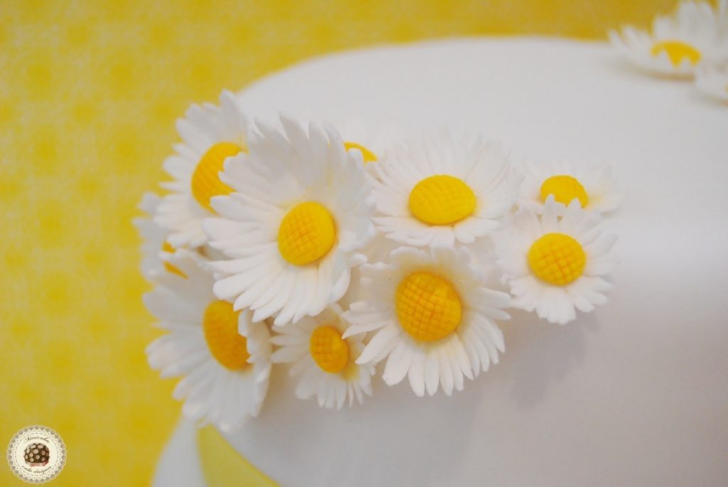 margaritas-daisy-flores-wedding-boda-tarta-cake-fondant-mericakes-barcelona