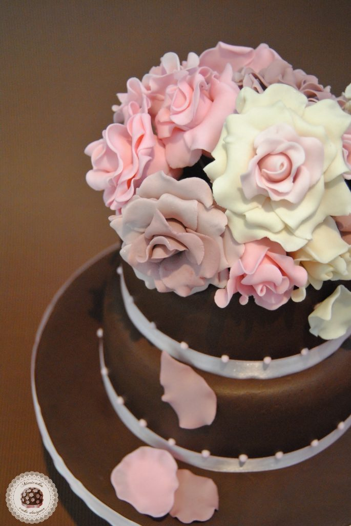 tarta-bodas-novios-wedding-cake-fondant-barcelona-mericakes-red-velvet-rosas-bouquet-chocolate-bouquet
