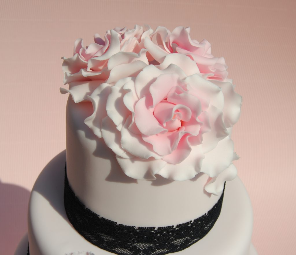 """weddingcake pink in love"""