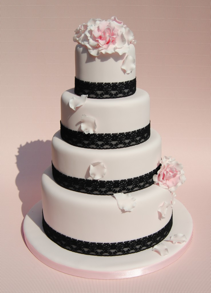 wedding cake 'pink in love' by Mericakes