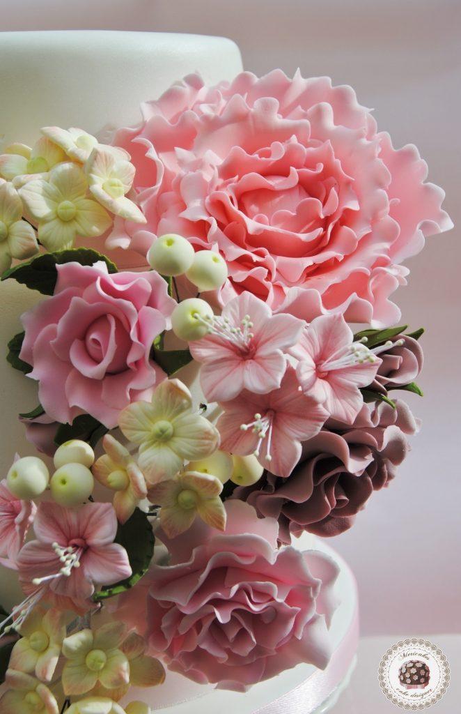 wedding-cake-flores-flowers-rosas-peonia-petunias-hortensias-tarta-boda-bride-sugarcraft-sugarpaste-pasta-de-azucar-mericakes-reposteria-creativa-1