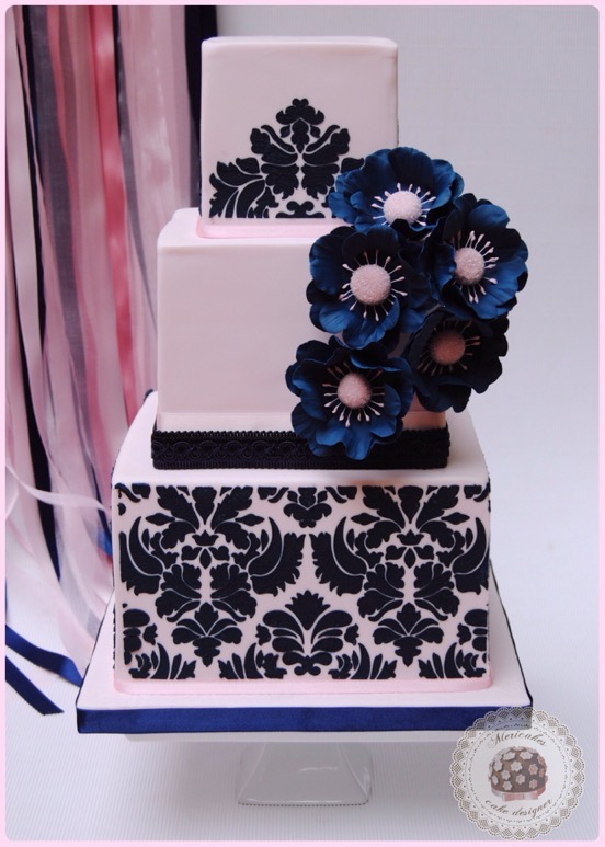 wedding-cake-tarta-de-boda-damask-damasco-navy-sugarcraft-bridal-sugar-flowers-flores-de-azucarbarcelona-mericakes-anemonas-stencil-6