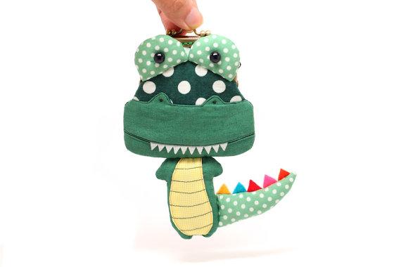 crocodile purse, handmade, Misala handmade, taiwan, cute, kawaii, cocodrilo, monedero, mericakes, inspiración, polka dots, topos, escamas, colores.