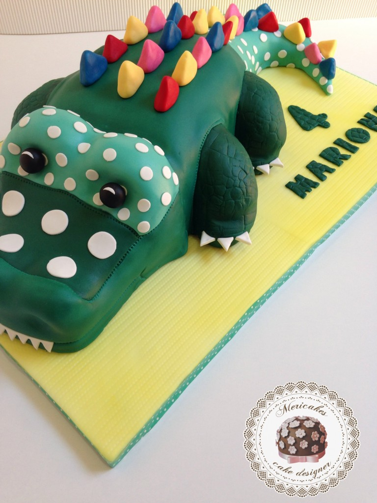 cocodrilo, crocodile, tartas barcelona, tartas infantiles, dots, polka, topos, cute cake, kawaii cake, tartas fondant, tartas decoradas, barcelona, infantil, tartas personaliadas, catalunya, mericakes, pistacho, vainilla, frambuesa, raspberry, pistachio, colours, tartas modeladas, tartas 3D, pastel cumpleaños.