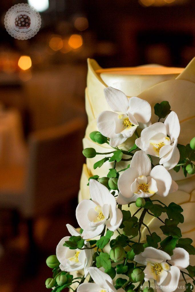 Gaudí, Barcelona, tarta de boda, wedding cake, orchid, mericakes, grupo tragaluz, modernismo, fondant, pastelería, sugar (10)