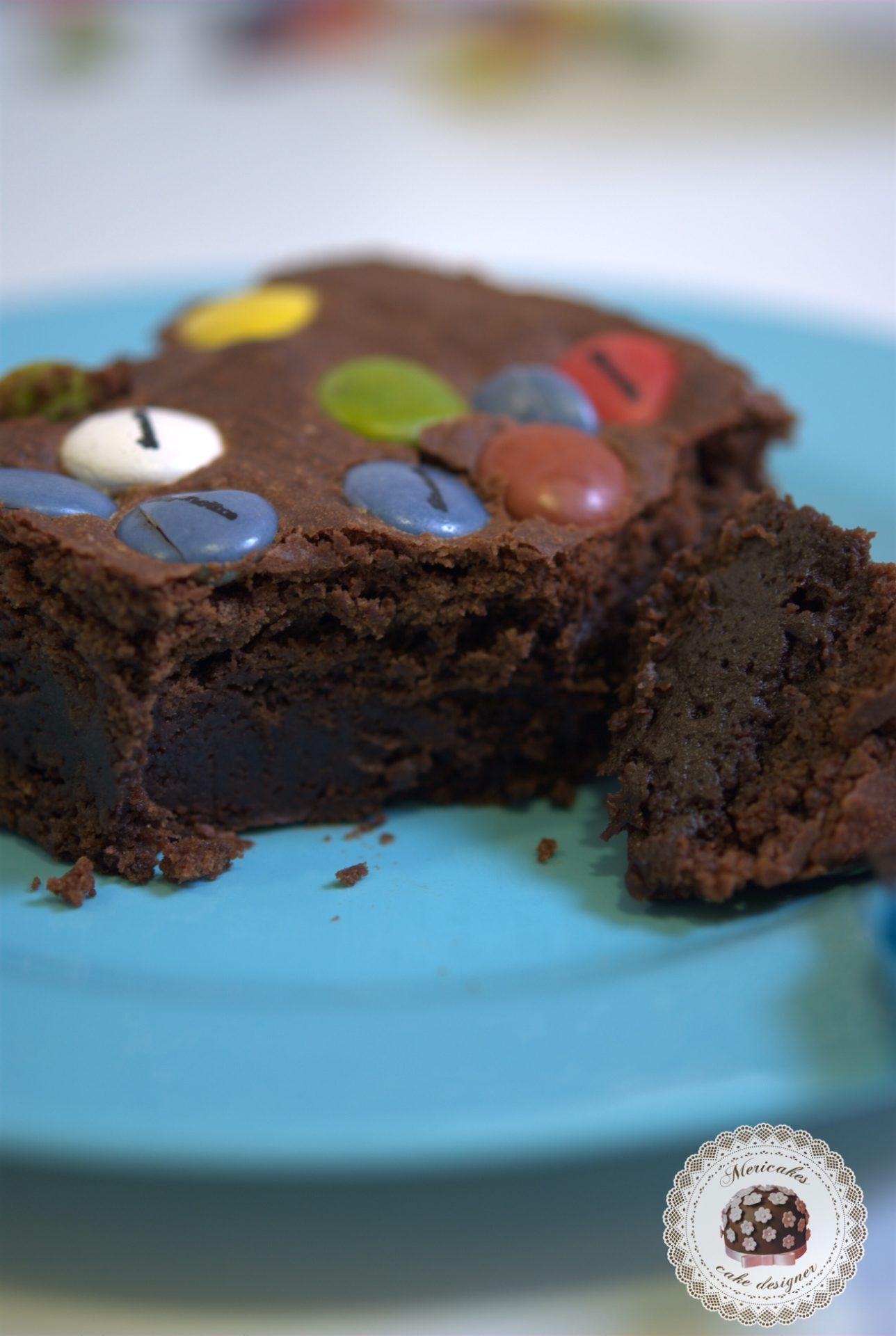 receta-brownie-lacasitos-chocolate-platano-mericakes-barcelona-reposteria-merienda-vuellta-al-cole-5