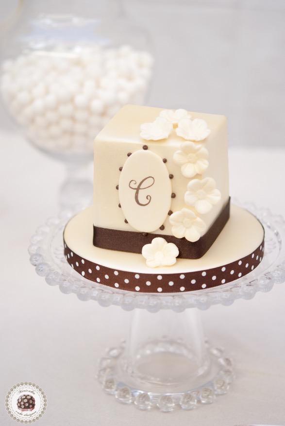 vanda-orchid-orquidea-wedding-cake-tarta-de-boda-torta-square-cake-fondant-barcelona-lace-mericakes-sweet-table-tartas-barcelona-eventos-barcelona-bridal-boda-wedding-planner