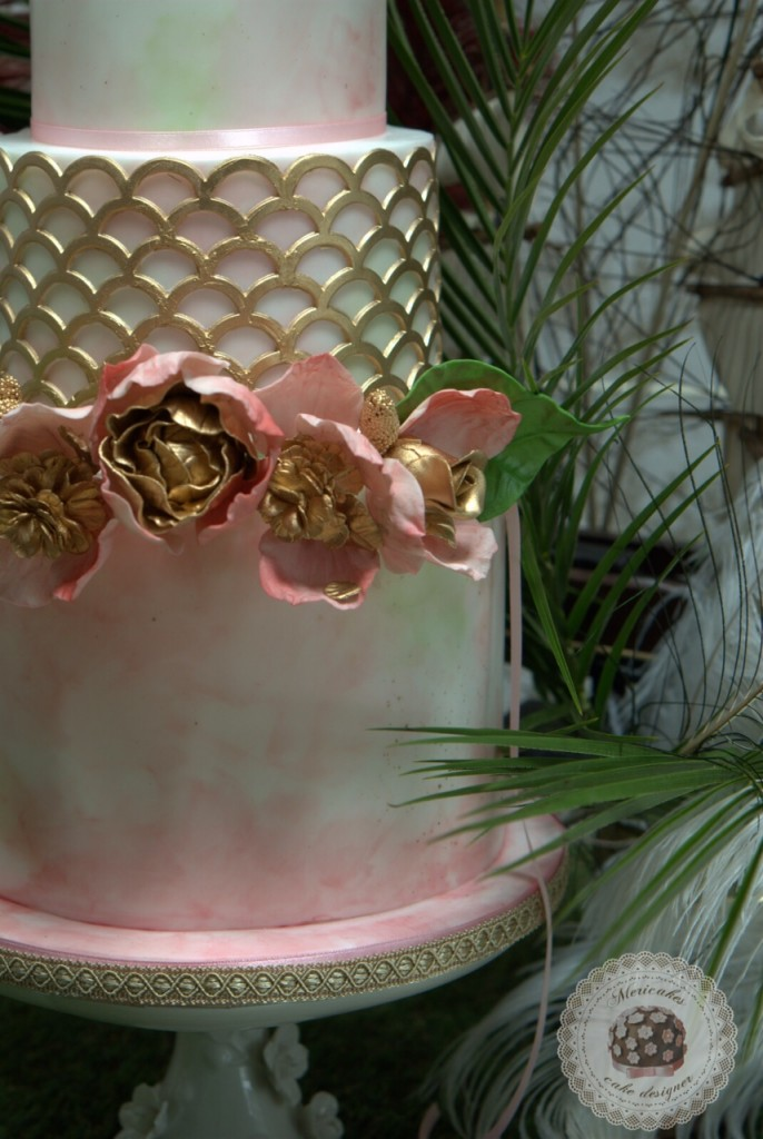wedding cake, bodas barcelona, watercolor, flowers crown, mericakes, tartas de boda, gold, corona de flores, tartas decoradas, acuarela, painted cake, bodas barcelona, pastel de bodas, wedding flowers, bridal, novia, marvelous, Gracia, sugarcraft, tartas de pisos, cake designer, diseñadora de tartas, cake decorating, gourmet, Sisters tocados, The Must Bcn.