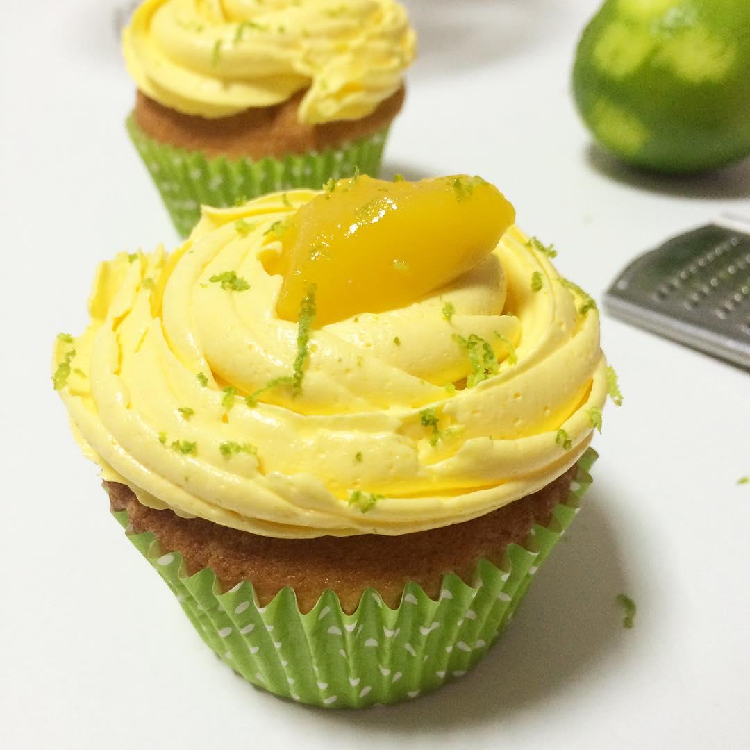 cupcakes-lima-cardamomo-mango-mericakes-pastry-chef-reposteria-creativa-sugarcraft-bakery
