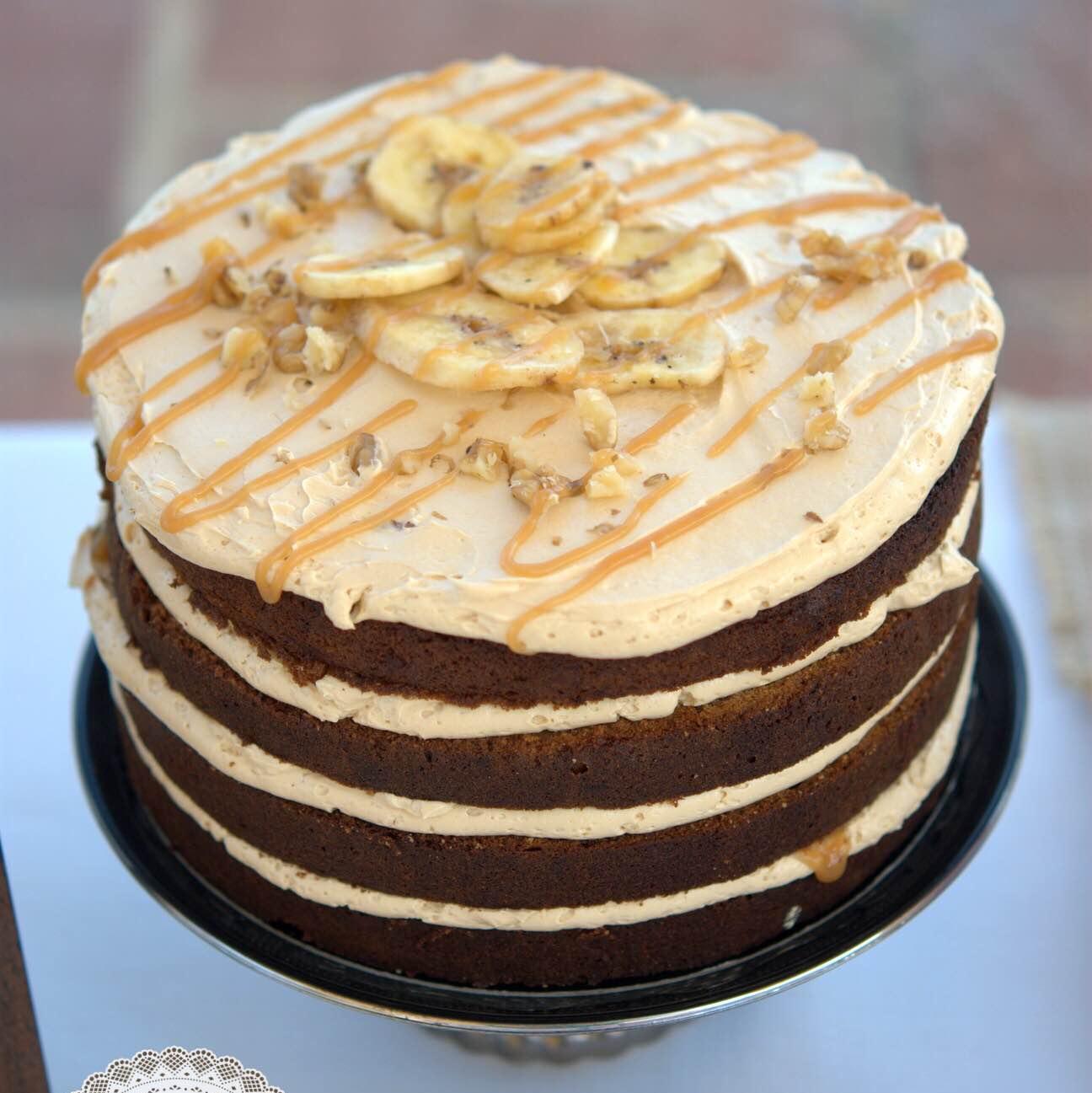 tarta-la-dolce-vita-platano-canela-dulce-de-leche-mericakes-layer-cake-naked-cake-barcelona