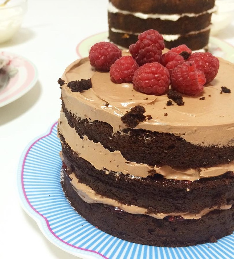 tarta chocolate, frambuesas, naked cake, layer cake, mericakes, pastry chef, barcelona, pasteleria, pastel, cake_Fotor
