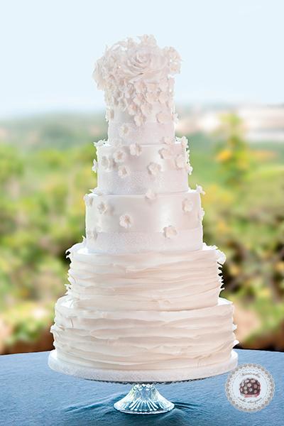tartas-barcelona-ruffle-white-bloosom-white-cake-fruta-de-la-pasi%c2%a2n-maracuya-passion-fruit-tarta-de-boda-wedding-cake-wedding-bridal-pastel-de-boda-chocolate-flores-de-azcar-s-01