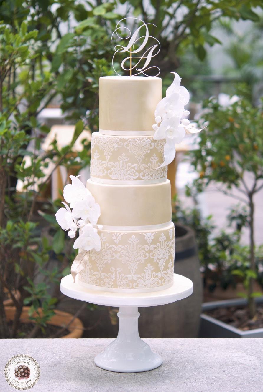 Damask, orchid, wedding cake, tarta de boda, mericakes, melia sky, flores de azucar, sugarcraft, fondant, cake designer, monogram, barcelona wedding, platano, canela, bridal satin_Fotor
