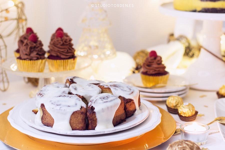 mericakes-torden-maria-lunarillos-mesa-dulce-sweet-tbale-dessert-table-fruit-cake-cinnamon-rolls-eclairs-cupcakes-barcelona-christmas-navidad15