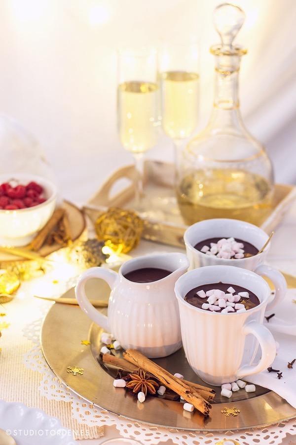 mericakes-torden-maria-lunarillos-mesa-dulce-sweet-tbale-dessert-table-fruit-cake-cinnamon-rolls-eclairs-cupcakes-barcelona-christmas-navidad4