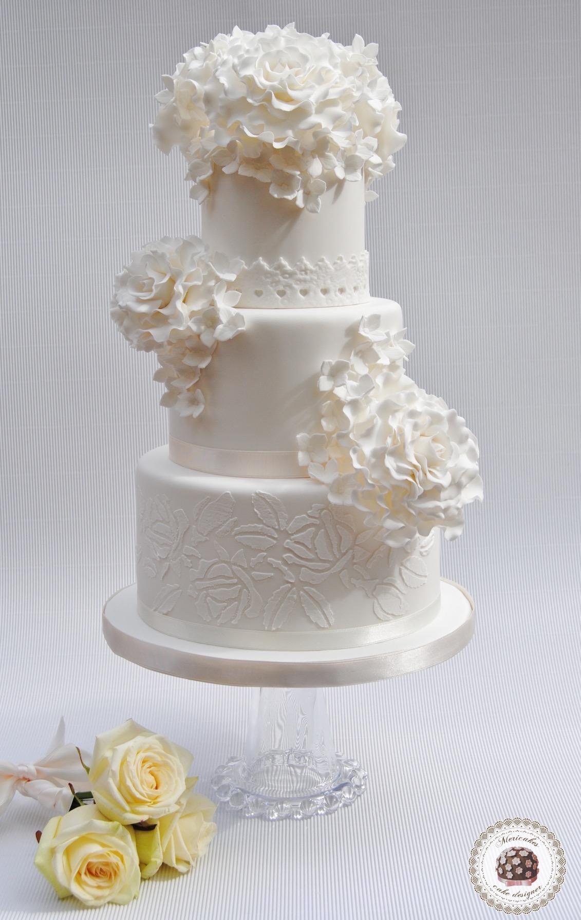mericakes-tarta-de-boda-wedding-cake-tartas-decoradas-tartas-barcelona-pastel-fondant-rosas-flores-de-azucar-sugarflowers-sugarcraft-boda-spain-weddings-1