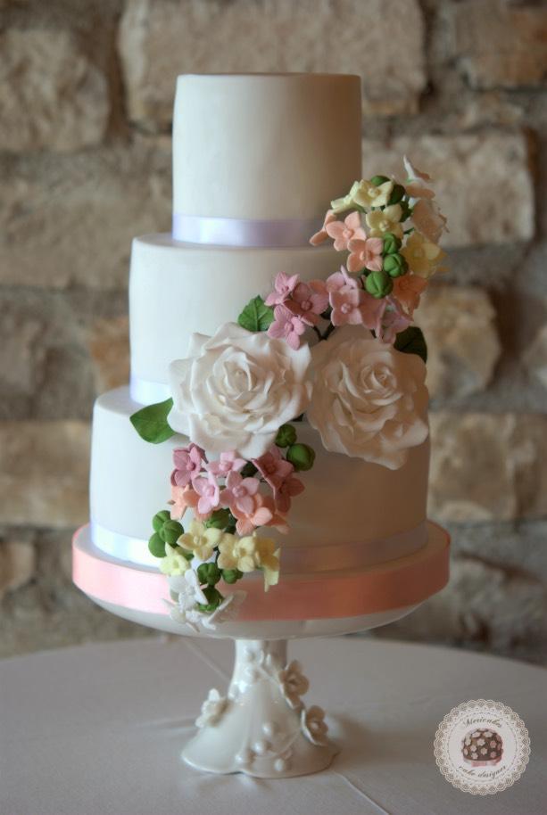 pastel-blooms-weddingcake-mericakes-tartas-de-boda-wedding-cake-hydrangea-barcelona-bodas-barcelona-mas-de-sant-llei_1