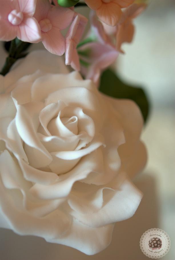 pastel-blooms-weddingcake-mericakes-tartas-de-boda-wedding-cake-hydrangea-barcelona-bodas-barcelona-mas-de-sant-llei_4