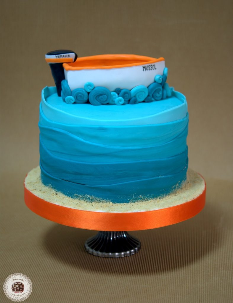 tarta-barca-boat-cake-pastel-mericakes-barcelona-tartas-personalizadas-fondant-vaixell-cumpleanos-reposteria-creativa-sugarcraft-ruffle-ombree-cake-degradado