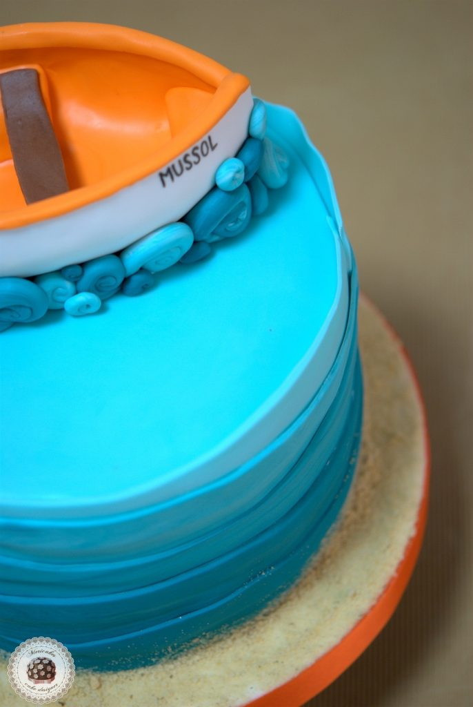 tarta-barca-boat-cake-pastel-mericakes-barcelona-tartas-personalizadas-fondant-vaixell-cumpleanos-reposteria-creativa-sugarcraft-ruffle-ombree-cake-degradado-3