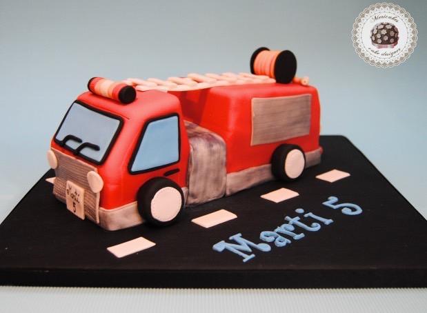 tarta-cake-tartas-infantiles-camion-de-bomberos-barcelona-mericakes-fondant-cake-for-kids