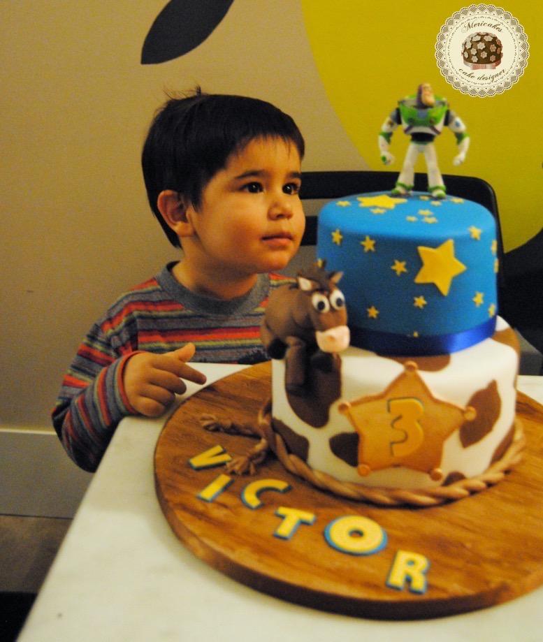 tarta-toy-story-perdigon-buzz-lightyear-pixar-cake-birthday-cake-mericakes-fondant-pastel-de-cumpleanos-vaquero-barcelona-reposteria-creativa-sugarcraft
