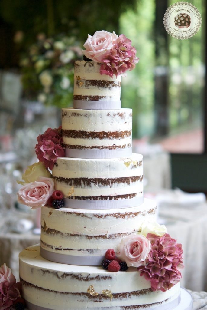 wedding-cake-tarta-de-boda-semi-naked-cake-mericakes-barcelona-bell-reco-tavola-fresh-flowers-almond-cake-wedding-inspiration