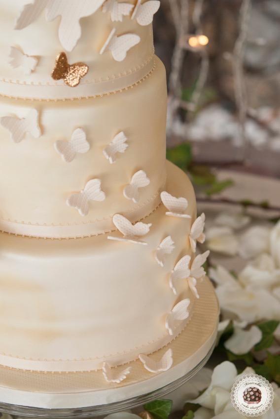 butterfly-roses-wedding-cake-tarta-de-boda-tarta-barcelona-mericakes-mariposas-chocolate-cava-barcelona-wedding-inspiration-pastel-mira-blau