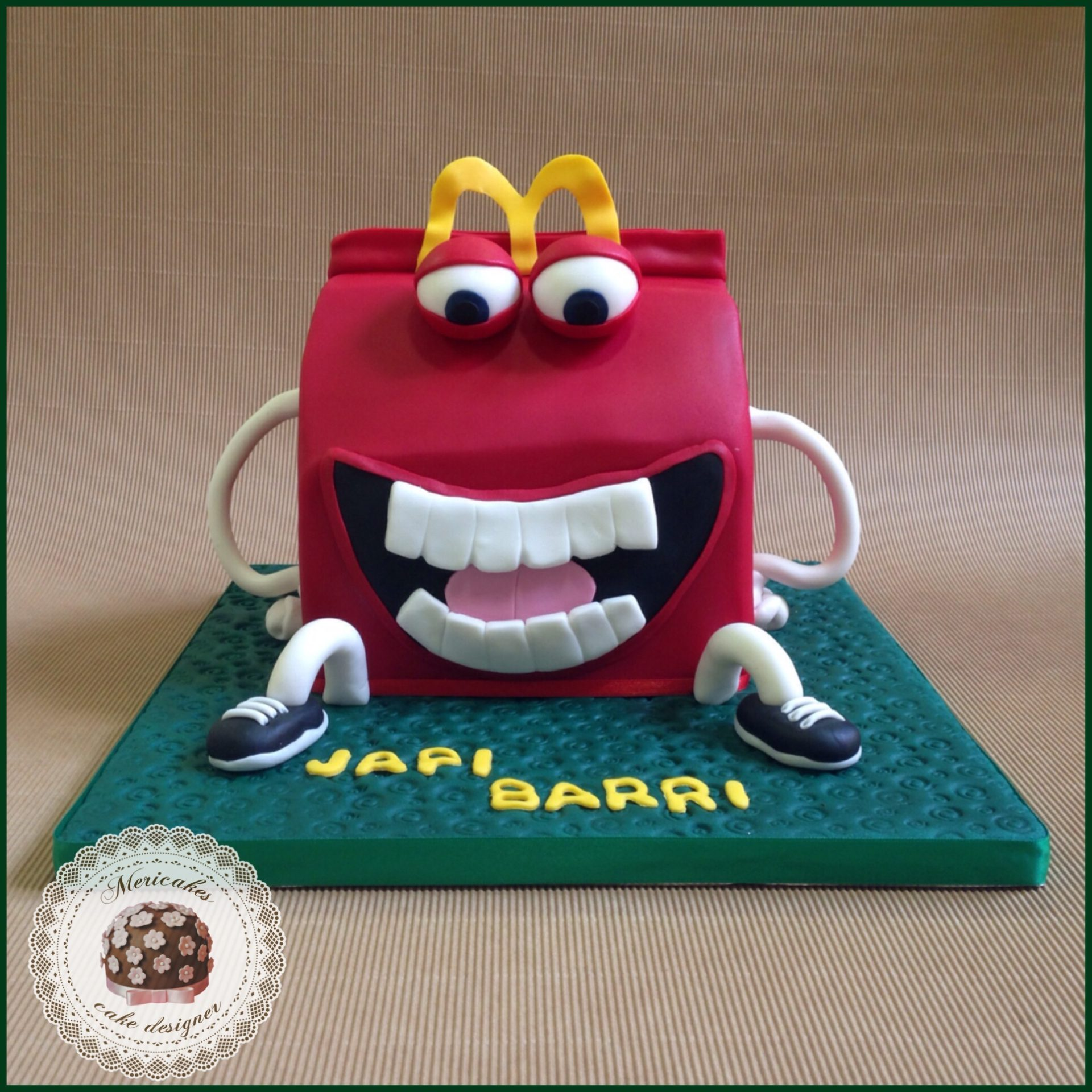 happy-meal-mc-donals-mericakes-tarta-cake-birthday-cake-geek-cake-sugarcraft-pastel-red-velvet-barcelona-reposteria-creativa-jp
