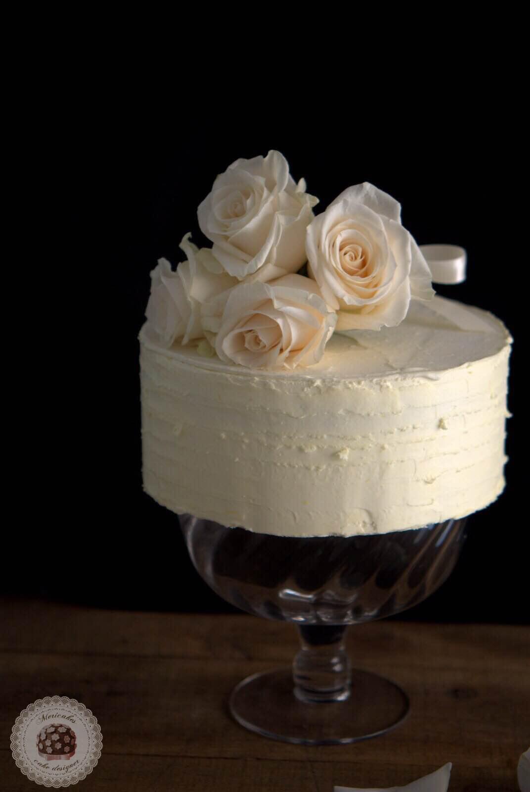 layer-cake-naked-cake-wedding-cake-bodas-barcelona-mericakes-tarta-de-boda-white-cake-roses-barcelona-wedding-2