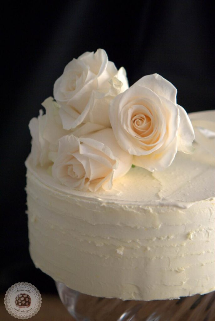 layer-cake-naked-cake-wedding-cake-bodas-barcelona-mericakes-tarta-de-boda-white-cake-roses-barcelona-wedding-7
