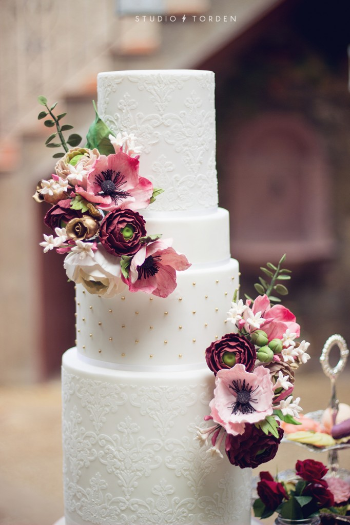 masterclass-tartas-de-boda-wedding-cake-mericakes-sugarcraft-fondant-barcelona-curso--682x1024