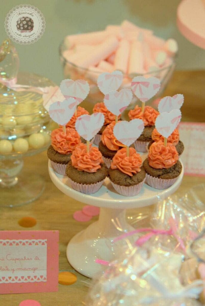 mesa-dulce-candy-bar-sweet-table-bautizo-barcelona-tartas-decoradas-tartas-barcelona-mericakes-galletas-cupcakes-3