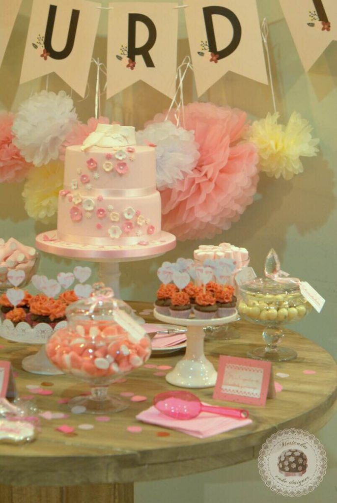 mesa-dulce-candy-bar-sweet-table-bautizo-barcelona-tartas-decoradas-tartas-barcelona-mericakes-galletas-cupcakes-6