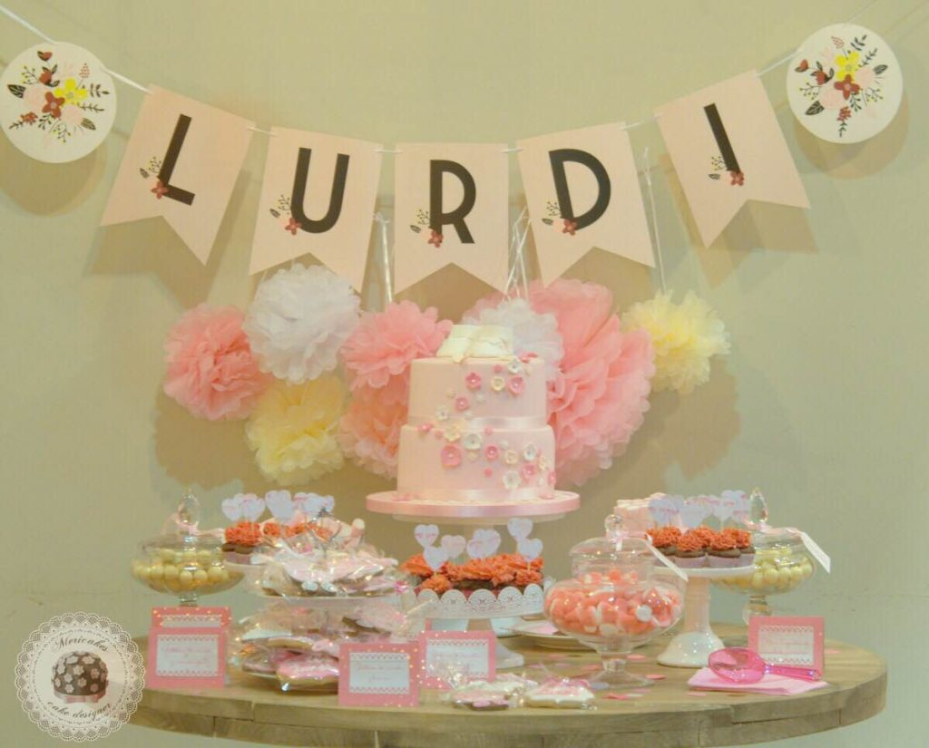 mesa-dulce-candy-bar-sweet-table-bautizo-barcelona-tartas-decoradas-tartas-barcelona-mericakes-galletas-cupcakes-7