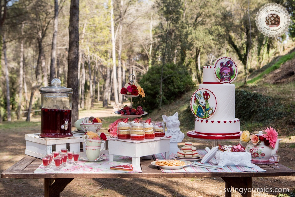 mesa-dulce-sweet-table-sugartremens-mericakes-sensacions-barcelona-aliciaa-en-el-pais-de-las-maravillas-alice-in-the-wonderland-cake-macarons-cookies-tarta-13