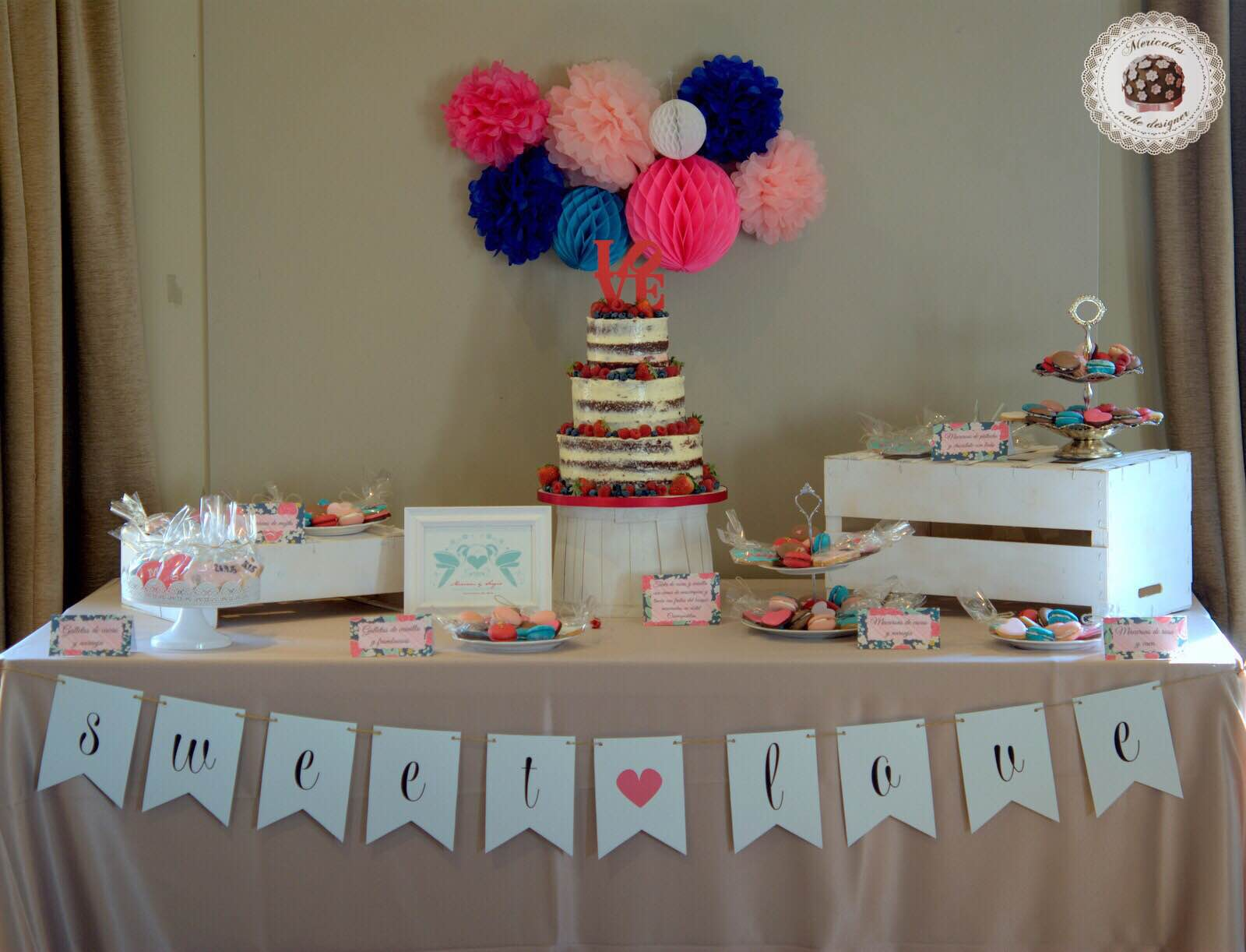 mesa-dulce-sweet-table-wedding-boda-bodas-barcelona-tarta-de-boda-macarons-mericakes-galletas-candy-bar-barcelona-weddings