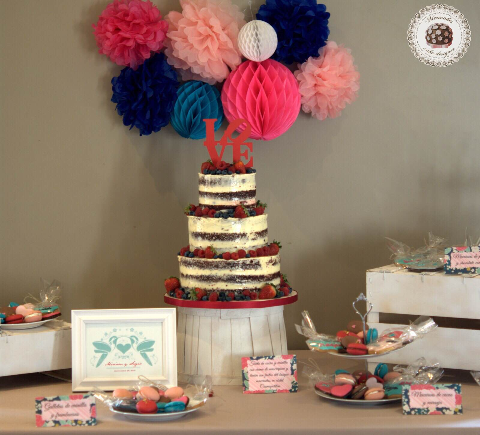mesa-dulce-sweet-table-wedding-boda-bodas-barcelona-tarta-de-boda-macarons-mericakes-galletas-candy-bar-barcelona-weddings-2