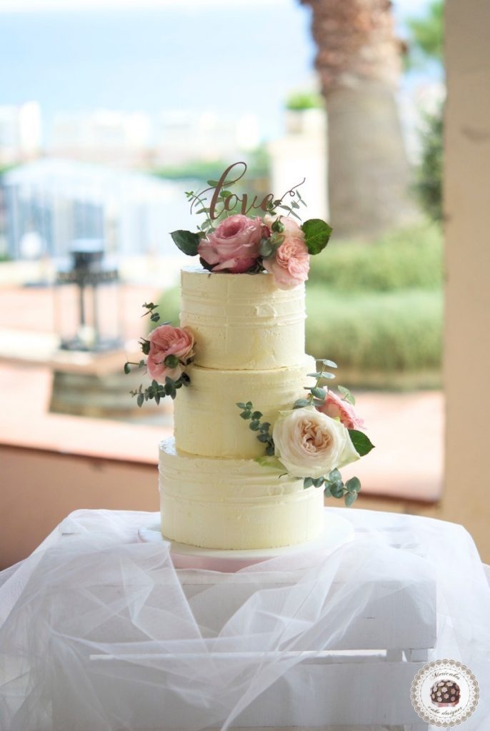 naked-cake-tarta-de-boda-wedding-cake-mericakes-barcelona-boda-topper-wedding-inspiration-roses-fresh-flowers-pastel-de-boda-wedding-planner-event-planner