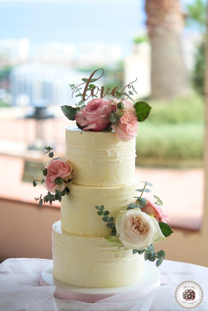 naked-cake-tarta-de-boda-wedding-cake-mericakes-barcelona-boda-topper-wedding-inspiration-roses-fresh-flowers-pastel-de-boda-wedding-planner-event-planner