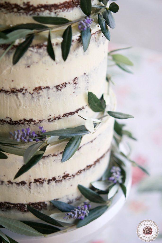 semi-naked-cake-wedding-cake-olive-olivo-lavanda-red-velvet-barcelona-weddings-mericakes-tarta-de-boda-la-garriga-masia-la-garriga-mascarpone-cosmopolitan-bridal-wedding-planner-spain-w