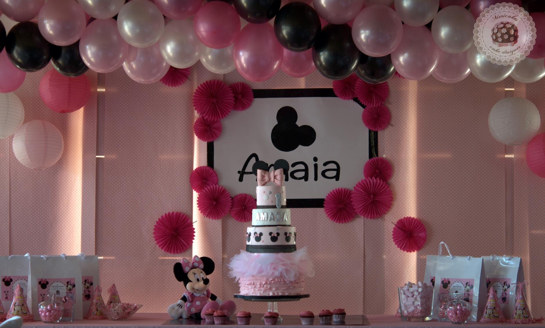 tarta-minnie-mousse-tartas-barcelona-tartas-decoradas-mericakes-tarta-infantil-disney-rosa-fondant-cumpleanos-vainilla-y-frambuesas-4