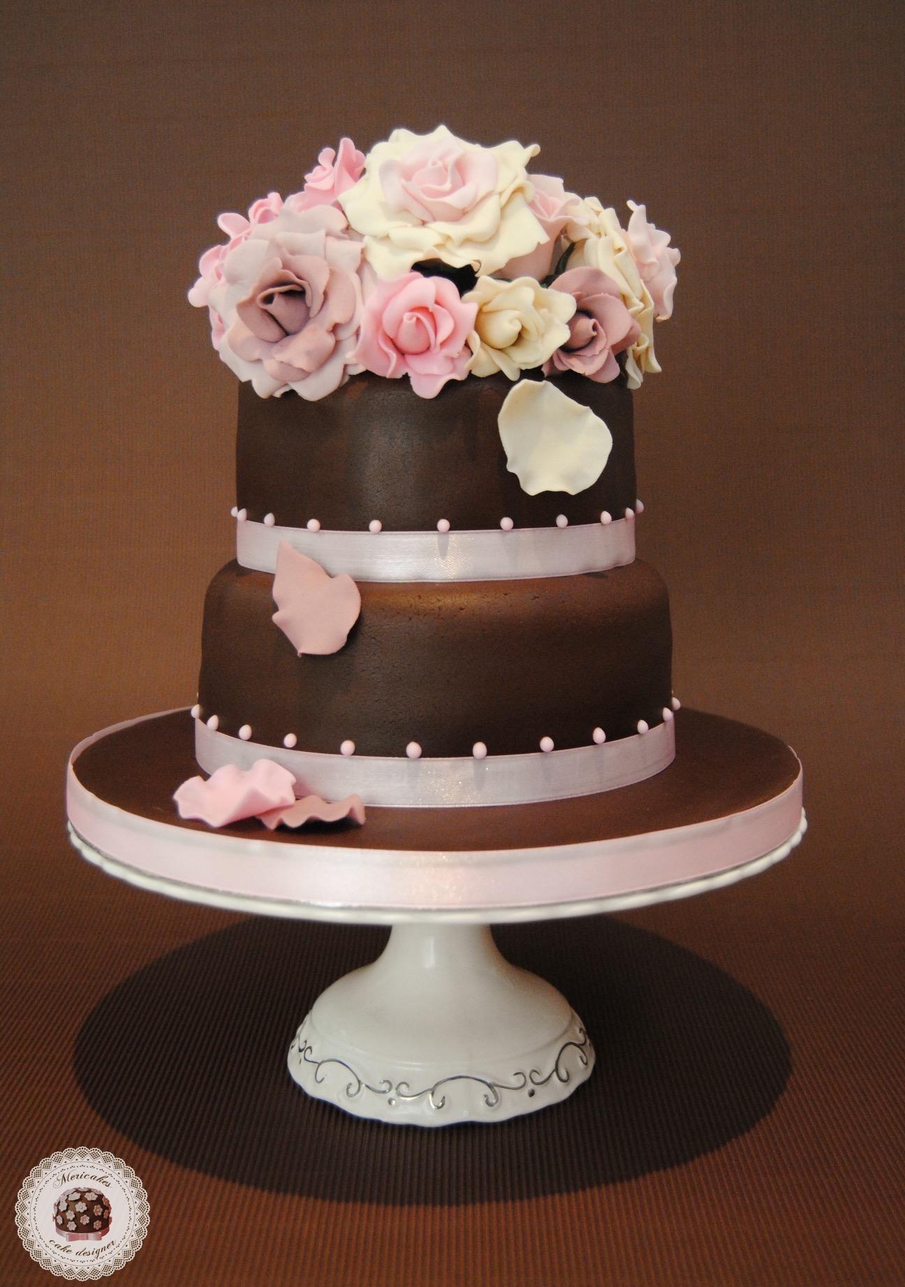 tarta-boda-wedding-cake-mericakes-barcelona-novios-fondant-rosas-chocolate-red-velvet-bouquet