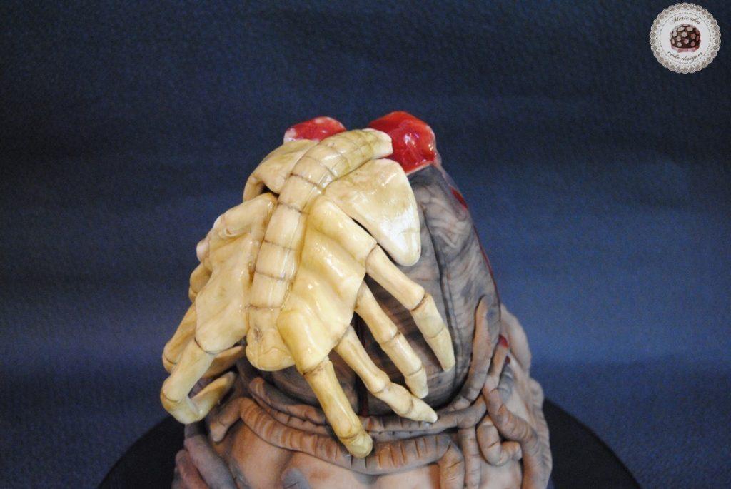 tarta-cake-alien-facehugger-egg-huevo-nata-fresas-wedding-mericakes-barcelona-fondant-pasta-de-goma-3
