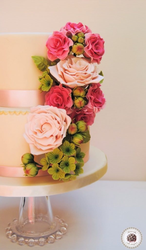 Spring bouquet wedding cake2