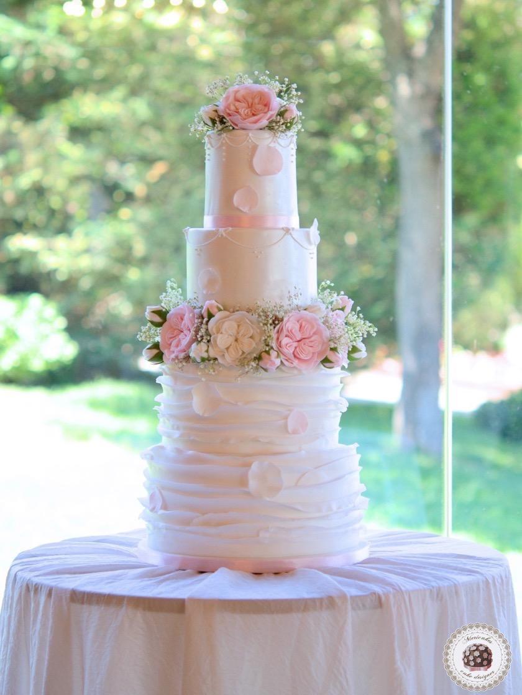 tarta-de-boda-wedding-cake-romantic-roses-sugarflowers-mericakes-mas-de-sant-llei-barcelona-weddings-english-roses-ruffle-wedding-inspiration