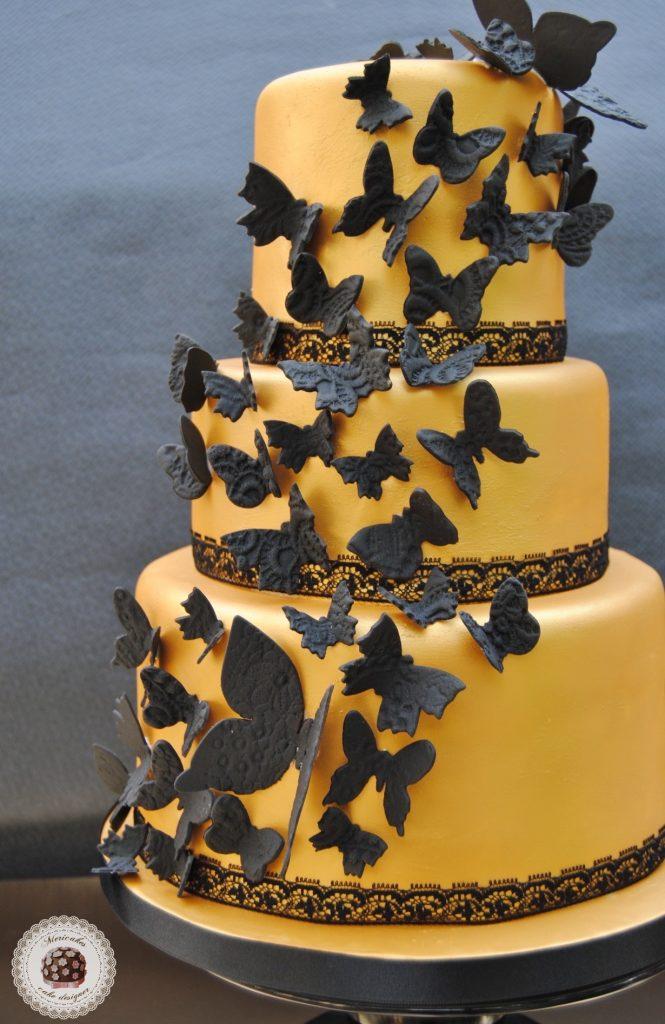 tarta-mariposas-dorado-encaje-negro-oro-weddingcake-fondant-pasta-de-azucar-sugarcraft-sugarpastemericakes
