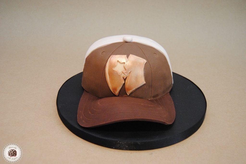 tarta-mericakes-cap-gorra-barcelona-fondant-mericakes-pastel-chocolate-fondant-tarta-3d-modelado-cake-decorating